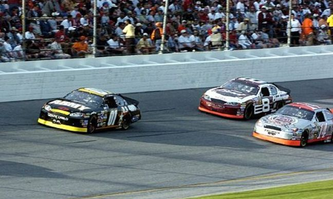 Joe_Nemechek_2005_at_Daytona